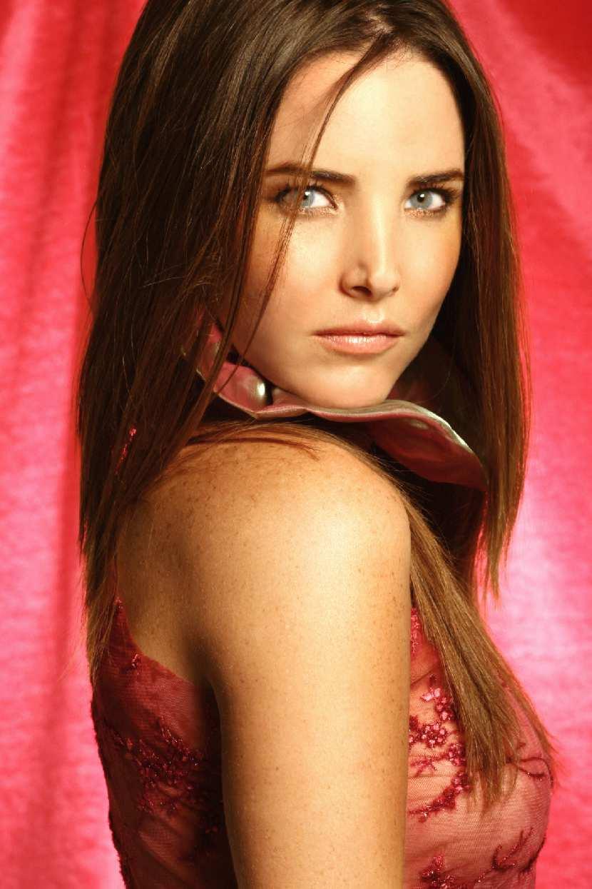 http://www.telenovely.net/wp-content/gallery/celebrity/virna-flores/virna93.jpg