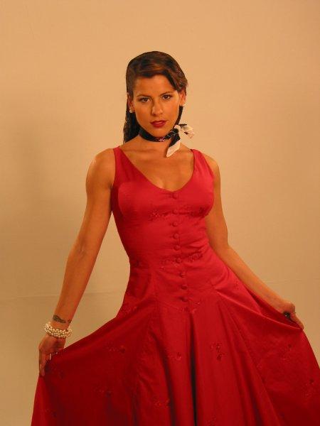 http://www.telenovely.net/wp-content/gallery/celebrity/zharick-leon/zharick229.jpg