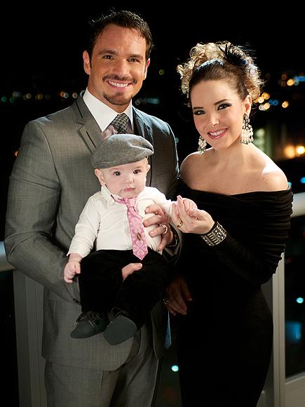 http://www.telenovely.net/wp-content/uploads/2011/11/virnaflores-dite6.jpg
